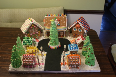 2015-12-06  027 Gingerbread House.JPG