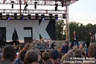 2014-09-20-101-thousand-foot-krutch